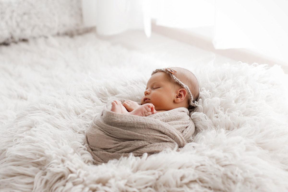 Neugeborenenshooting-javadi-fotografie